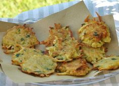 If any of you still had not tasted this recipe is absolutely invited to do so as soon as possible !!! One of the simplest recipes and best ever made ...: Potato Fritters