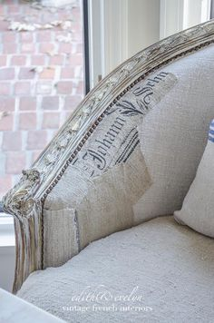 easy upholstery a french settee and grain sack scraps, chalk paint, painted furniture, reupholster Shabby Chic Pillows, Diy Pillows, French Cottage, French Country House, Cottage Style, Country Living, French Decor, French Country Decorating, Upholstered Furniture