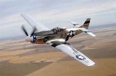 1945 NORTH AMERICAN P-51 MUSTANG