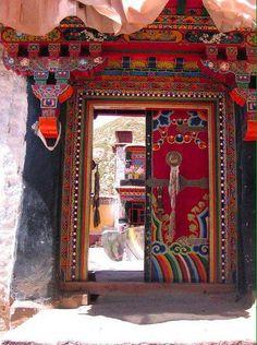 Porte tibétaine - Art et déco et architecture du Tibet.