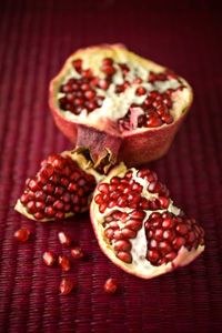 SUPERFOODS: Pomegranates, Walnuts, Brocoli, Avo, Dark Choc, Dark Green Leaves, Wild Salmon, Whole Grains, Cinnamon, Green Tea
