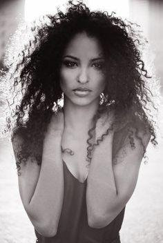 Well hello Leah Marville #CurlyHair