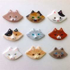 eiko yawata ❄︎ illustration — My friend was wearing a cat brooch which is my. Ceramic Jewelry, Ceramic Clay, Clay Jewelry, Clay Cats, Clay Art Projects, Play Clay, Cute Clay, Slab Pottery, Paperclay