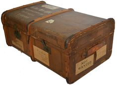 vintage luggage by www.vonliving.nl    http://www.vonliving.nl/Webwinkel-Product-13948110/Vintage-hutkoffer-XL.html