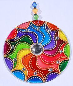 Originalyexclusiva mandalas old cd crafts, recycled crafts, diy crafts, man Glass Painting Designs, Dot Art Painting, Mandala Painting, Mandala Art, Recycled Cds, Recycled Crafts, Cd Recycle, Old Cd Crafts, Diy Crafts