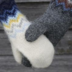 Ravelry, New Hobbies, Mitten Gloves, Knitwear, Knitting Patterns, Diy And Crafts, Socks, Crochet, Wool Hats