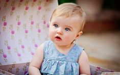 Coupe visage rond cheveux épais coupe cheveux epaule simple réalisation premiere coupe de bébé 1 an