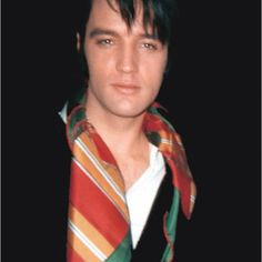 Elvis....So handsome and a gentleman.