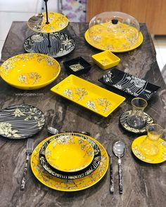 Kitchen Sets, Kitchen Decor, Dining Etiquette, Modern Dinnerware, Dining Ware, Beautiful Table Settings, Pantry Design, Dinner Plate Sets, Home Design Decor