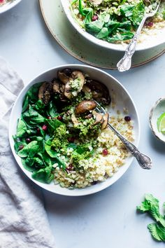 Vegan Detox Cauliflower Bowls - These bowls are packed with veggies and a delicious almond pesto! They're a whole30 compliant, vegan and paleo friendly meal that is only 200 calories!   Foodfaithfitness.com   @ FoodFaithFit