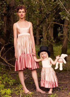 Natalia Vodianova & her family by Mario Testino for Vogue, November 2008   wannafeelit