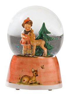 Hummel Schneekugel Gute Freunde  12 cm...I have the figurine (without the globe and base).