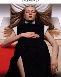 Colette Pechekhonova Balenciaga by Nicolas Ghesquière 1998 90s Fashion, Fashion Show, Womens Fashion, Fashion Design, Vintage Fashion, Editorial Photography, Fashion Photography, Balenciaga, Nicolas Ghesquiere