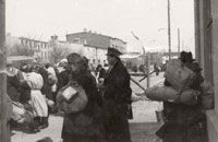 Jews being deported from Lodz to Auschwitz in August 1944        Pictured here are Jews being deported from Lodz to Auschwitz in August 19...