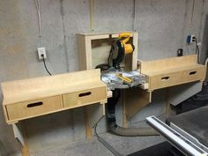 Excellent Table Saws, Miter Saws And Woodworking Jigs Ideas. Alluring Table Saws, Miter Saws And Woodworking Jigs Ideas. Workshop Storage, Workshop Organization, Tool Storage, Storage Drawers, Woodworking Projects Diy, Woodworking Jigs, Miter Saw Bench, Mitre Saw Station, Table Saw Station