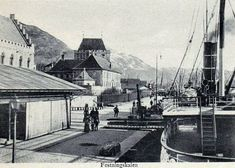 Bergen - Festningskaien tidlig 1900-tall. 12th Century, The St, Capital City, Bergen, West Coast, Norway, Medieval, Survival, Street View