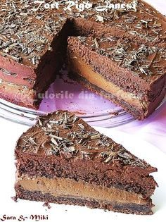 Cake Rigó Jancsi-colors on your plate Chocolate Filling For Cake, Chocolate Mousse Cake, Romanian Desserts, Romanian Food, Sweet Recipes, Cake Recipes, Dessert Recipes, Fudge Shop, Alcohol Cake
