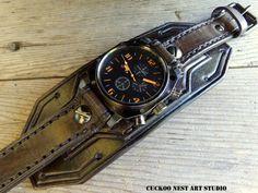 139e Bracelet montre en cuir noir hommes montre par CuckooNestArtStudio