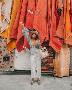 Introducing our new favorite shoes  #crossedplatformocean  #alohassandals  @belenhostalet #sandals #Aloha  #marrakech #summer #summeressentials #spring #springessentials #SS18 #espadrilles #summeroutfit #springoutfit #madeinspain #belehostalet