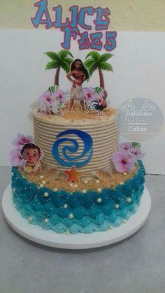 bolo da moana chantininho com topper Moans Birthday Party, Moana Theme Birthday, Moana Themed Party, 2 Birthday Cake, Hawaiian Birthday, Moana Party, Birthday Party Themes, Moana Birthday Cakes, 4th Birthday