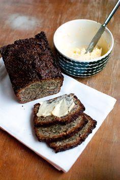seed and nut bread Paleo Bread, Low Carb Bread, Bread Baking, Whole Food Recipes, Keto Recipes, Cooking Recipes, My Favorite Food, Favorite Recipes, Finnish Recipes