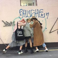 mila and kateryna and olivia by freddie Mode Ulzzang, Ulzzang Korea, Ulzzang Girl, Bff Goals, Friend Goals, Squad Goals, Poly Couple, Best Friens, Korean Best Friends
