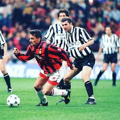 Baggio, Zidane. Juve, Milan. #Baggio #robertobaggio #zidane #zinedineZidane #juventus #milan #acmilan #seriea #italy #italianfootball #football #footballplayer #calcio #calcioitalia #footballitalia #soccer #soccerjersey #90s #90sfootball #90sfootballplayers