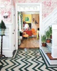 Jeffrey Bilhuber, chevron floor, entry way wallpaper, styled vignette Foyer Design, Foyer Decorating, Philippine Mythology, Cottages, Diy Home Decor, Home And Family, Connecticut, Walkways, Meal Prep