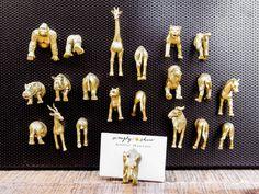 Gold Safari Animal Magnets 4 animals Your by simplyshiao Diy Home Crafts, Decor Crafts, Flower Crafts, Diy Flowers, Animal Party, Party Animals, Spray Paint Mason Jars, Wine Night, Office Items