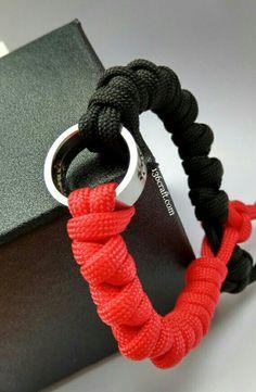Paracord 550 Bracelet With Black Rubberised Shackle