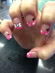 Minnie Mouse nail designs