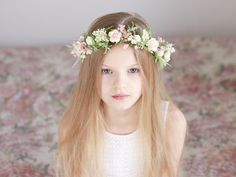 Haarblüten - ♥ Blumenkranz Blüten und Blättern ♥ - ein Designerstück von LolaWhite bei DaWanda