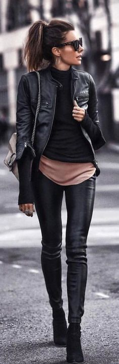 Popular Winter Outfit Ideas For Women 31