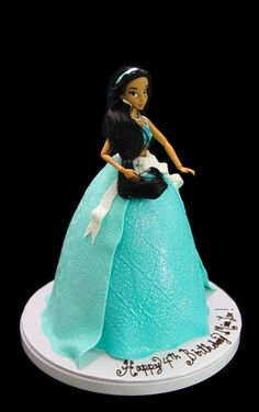 Jasmine Standing Doll Cake #birthday #birthdaycake #cakes #cake #kids #kidsforcakes #cakeinspiration #custom #color #fun  #Disney #customcakes #Disneycakes #princess #princesscake #disneyprincess