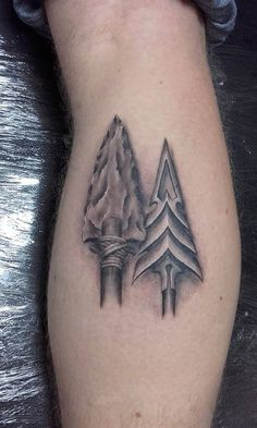 Two realistic arrow heads done by David