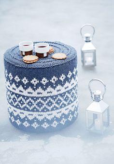 Suuri Käsityö 11-12/2014. Knitted foot stool cover by Pia Heilä for Lankava Oy. http://www.lankava.fi/WebRoot/esito/Shops/esito/MediaGallery/OHJEET/2015/Kirjoneulerahi.pdf