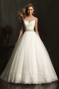 2014 Wedding Dress Bateau Lace Bodice Beaded Waistline Pisk Up Tulle Skirt