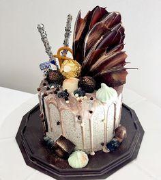 Chel's Kitchen. Mini oreo cake with marble drips inspo by @whippedcakeco #perth #perthcakes#perthbaker#perthdesserts#perthsweets #cakes #cakesofperth #cookiesandcream #oreo#macaron#dripcake #buttercream #cakeart #cakedecorating#cakedesign #cakeislife#acdnmember #bakeninja#cakeporm #instacake #instafood #cakeporm #cakeoftheday #perthluxury #pertheats #perthfood #perthgrub