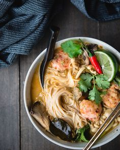 red thai curry noodl