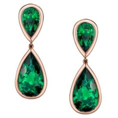 The Jolie Pear Shape Emerald Earrings Hundreds around the world have tried to duplicate this style, but this is the only pair of gem emeralds worthy to be the one of a kind Jolie earrings. They are hand fabricated in rolled tubular warm red gold. Jewelry Art, Antique Jewelry, Vintage Jewelry, Jewelry Design, Fine Jewelry, Emerald Earrings, Emerald Jewelry, Drop Earrings, Fashion Plates