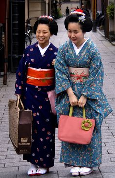 maiko Takahina and Takamari