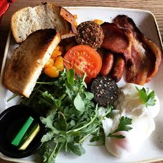 A Farmer Jack #Irish #breakfast from the #Shoda Market #Café in #Maynooth County #Kildare #Ireland. It tasted every bit as good as it looks! #bacon #tomato #sausage #poachedegg #rocket #whitepudding #toast #food #foodporn #travel #tourism #tourist #leisure #life #holiday #vacation #IgersMaynooth #IgersIreland #Eire