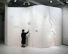Rut Bryk seisoo teoksensa Jäävirta edessä. Wall Installation, Ceramic Artists, Scandinavian Design, Sculpture, Ceramics, Artwork, Inspiration, Image, Style