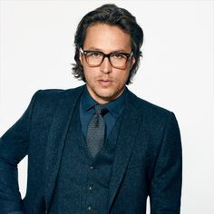 Cary Fukunaga by Richard Burbridge for GQ US August 2017 Mens Fashion Blog, Best Mens Fashion, Fashion Outfits, Three Piece Suit, 3 Piece Suits, Professional Attire, Professional Women, Summer Business Attire, Academy Award Winners