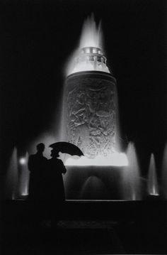 Paris Photo by Fred Stein Monochrome Photography, Black And White Photography, Art Photography, Vintage Photographs, Vintage Photos, Lyon, Masters, Shadow Silhouette, Parasols