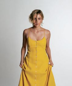 Actress Greta Gerwig for Malibu Magazine, hair by Marco Santini! Greta Gerwig, Her Style, Movies And Tv Shows, Beautiful People, Actresses, Summer Dresses, Female, Stylish, Celebrities