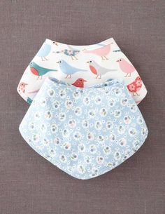 Mini Boden Dribble Bibs; I could totally make these!