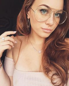Meet the beautiful and fiery redhead that is Sarah Gibson. Fiery Redhead, Aimee Teegarden, Minka Kelly, Carrot Top, Girls With Red Hair, Fake Photo, Rachel Mcadams, Womens Glasses, Shades Of Red