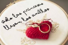 porta anillos bordado y crochet wedding ideas