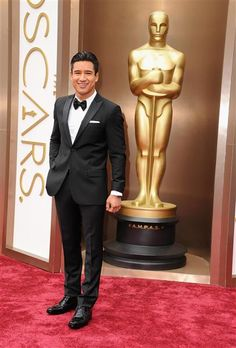 Mario Lopez attends the 86th annual Academy Awards at the Dolby Theatre in Hollywood on March 2, 2014.  #AcademyAwards